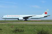 Boeing 777-333/ER (C-FRAM)