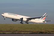 Boeing 777-328/ER (F-GSQE)