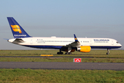 Boeing 757-223 (TF-ISZ)