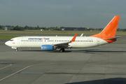 Boeing 737-8HX/WL (C-FTOH)