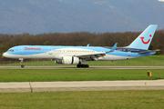 Boeing 757-204 (G-BYAY)