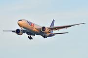 Boeing 777-FS2 (N885FD)