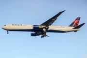 Boeing 767-432/ER (N837MH)