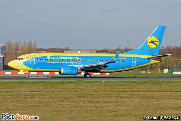 Boeing 737-36Q (Ukraine International Airlines)