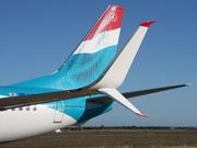737-8C9/W (LX-LGV)