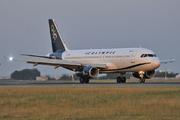 Airbus A320-232 (SX-OAH)