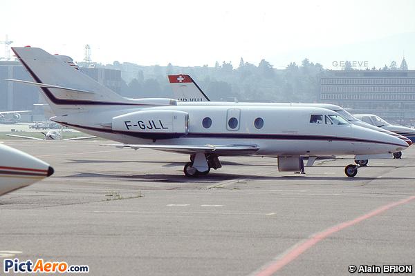 Dassault Falcon 10 (Lyonnais de Crédit Bail opb Leadair)