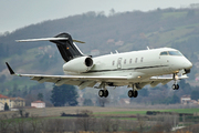 Bombardier BD-100-1A10 Challenger 300 (D-BEKP)