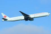 Boeing 777-333/ER (C-FIUV)