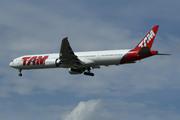 Boeing 777-32W/ER (PT-MUG)