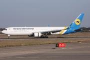 Boeing 767-33A/ER (UR-GEC)