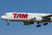 Boeing 767-316/ER (PT-MSY)