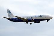 Boeing 737-4Y0 (YR-BAU)
