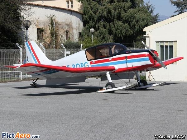 Jodel D-140E Mousquetaire (AIR MERIBEL)