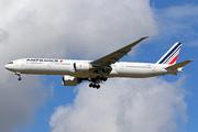 Boeing 777-328/ER (F-GZNI)