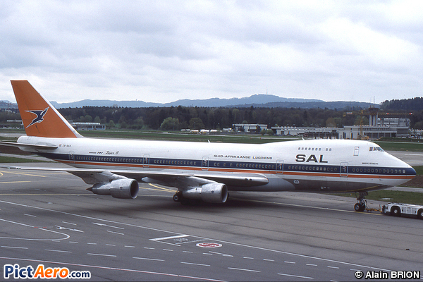 Boeing 747-244B (South African Airways)