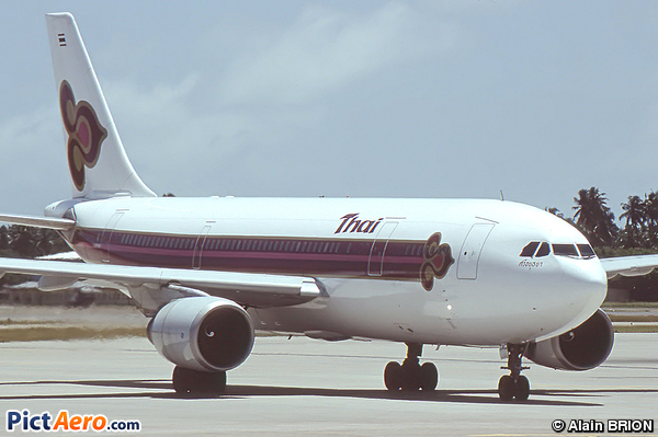 Airbus A300B4-601 (Thai Airways International)