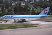 Boeing 747-3B5(SF) (HL7470)