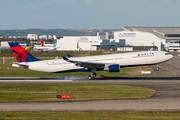 Airbus A330-302 (F-WWYE)