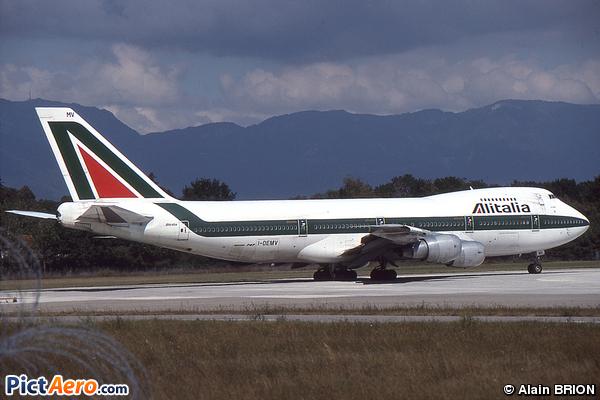 Boeing 747-243B (Alitalia)