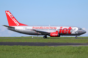 Boeing 737-330/QC (G-CELR)