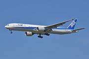 Boeing 777-381/ER (JA780A)