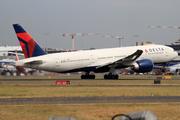 Boeing 777-232/LR (N710DN)