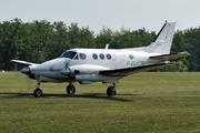 Beech E90 King Air (F-GJCR)