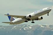 Boeing 767-322/ER (N660UA)
