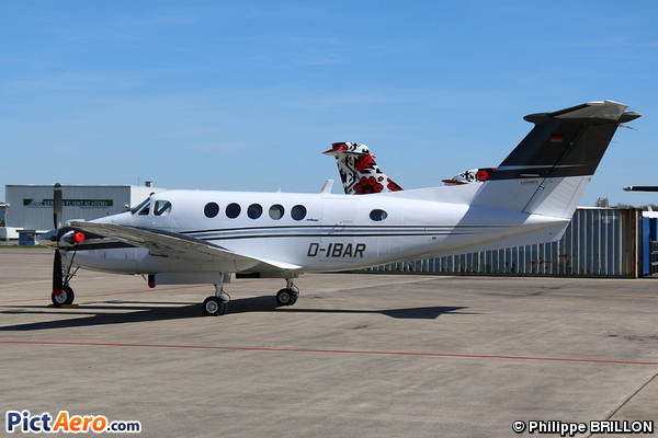 Beech B200 King Air (Privé / Private)