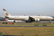 Boeing 777-3FX/ER (A6-ETM)