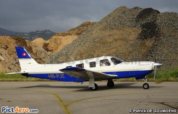 Piper PA-32-301 Saratoga II HP (Groupement de Vol à Moteur Lausanne)