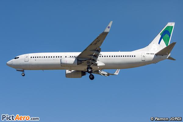 Boeing 737-8AS/WL (Air Explore)