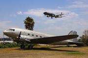 Douglas DC-3C (N19915)