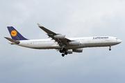 Airbus A340-313 (D-AIGM)