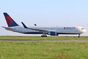 Boeing 767-332/ER (N199DN)