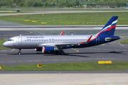 Airbus A320-214 (VQ-BST)