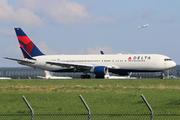 Boeing 767-332/ER (N198DN)