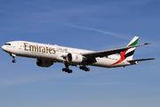 Boeing 777-31H/ER (A6-ECH)