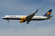 Boeing 757-256 (TF-FIT)