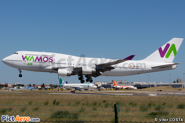 Boeing 747-412 (Wamos Air)
