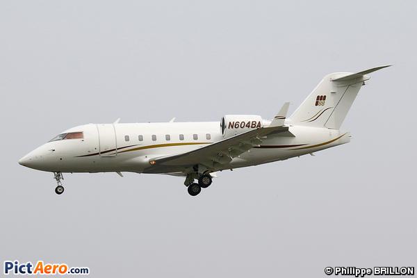 Canadair CL-600-2B16 Challenger 604 (Privé / Private)
