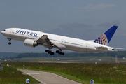Boeing 777-222/ER (N221UA)