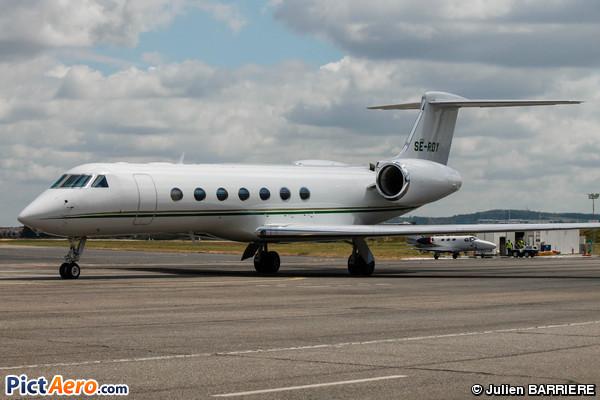 Gulfstream Aerospace G-550 (G-V-SP) (European Flight Service (EFS))