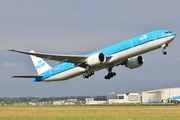 Boeing 777-306/ER (PH-BVK)