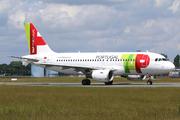 Airbus A319-111 (CS-TTH)