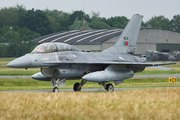 General Dynamics F-16B Fighting Falcon (15118)
