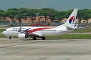 Boeing 737-8H6 (9M-MXV)