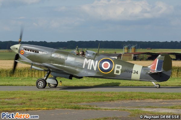 Supermarine Spitfire MkIXB (The Old Machine Company)