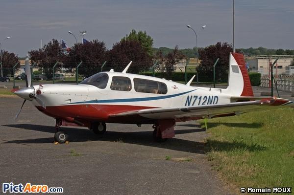Mooney M-20R (Privé)